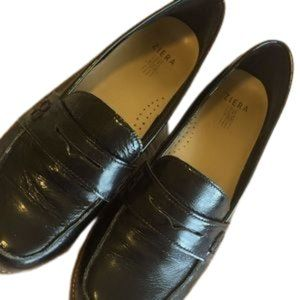 ZIERA LEATHER LOAFER   sz 37.5  wide fit